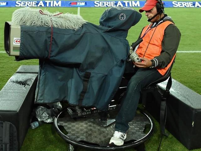 Serie A in Tv: il palinsesto della 25ª, Genoa-Lazio su DAZN, Inter-Samp su Sky