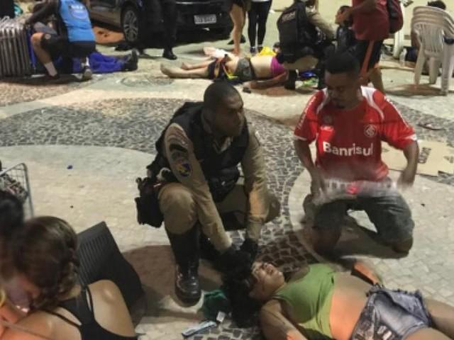Rio de Janeiro, auto travolge turisti a Copacabana: muore bimbo di 8 mesi, video