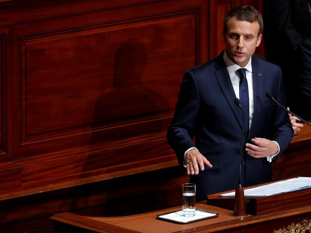La legge di Macron, forte con i deboli debole con i forti