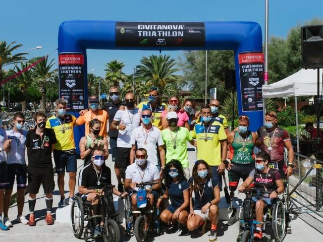 Civitanova, un successo la prima edizione del triathlon: vincitori e ordine d'arrivo (FOTO)