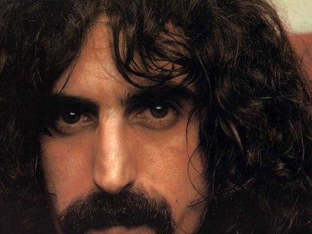 Frank Zappa, è tutto vero: il tour del suo ologramma parte ad aprile – DATE