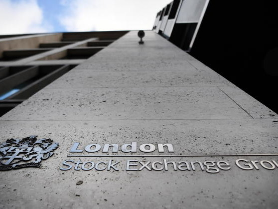 Borsa: Europa debole senza Wall Street, Londra -1,2%