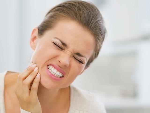 Devitalizzazione dente (cura canalare) in 3 fasi e in una visita