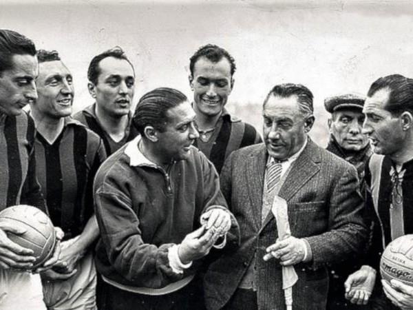 Fausto Coppi: nato 100 anni fa, giocò un derby vinto 6-0 dal Milan contro l'Inter
