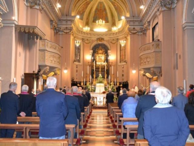 Macerata, allarme casi positivi al Covid: chiudono la curia e la chiesa di San Giorgio