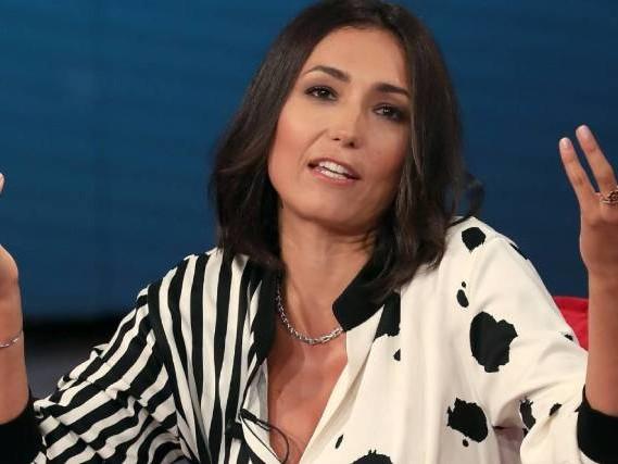 """Caterina Balivo, dieta antitumorale: """"Sto resettando il mio organismo!"""", ecco cosa mangia"""