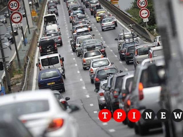Dl Clima, rottamazione di auto e moto: cosa è e cosa prevede il bonus mobilità