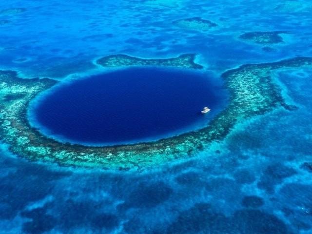 Richard Branson ha scoperto cosa si nasconde sul fondo del Blue Hole