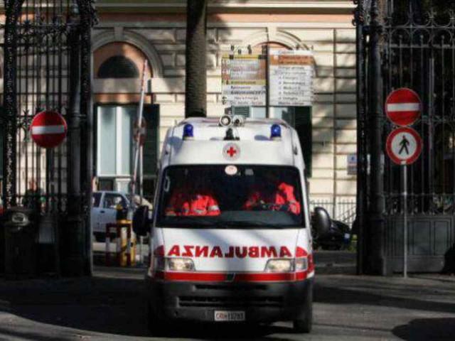 Operazione chirurgica in casa: tragedia per un bambino di 5 mesi
