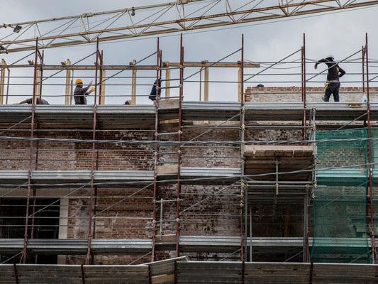 Le storie dei 9 morti sul lavoro ad agosto in Lombardia