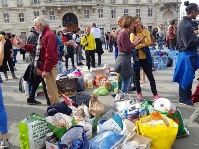 Le immagini dalla piazza della protesta di Trieste