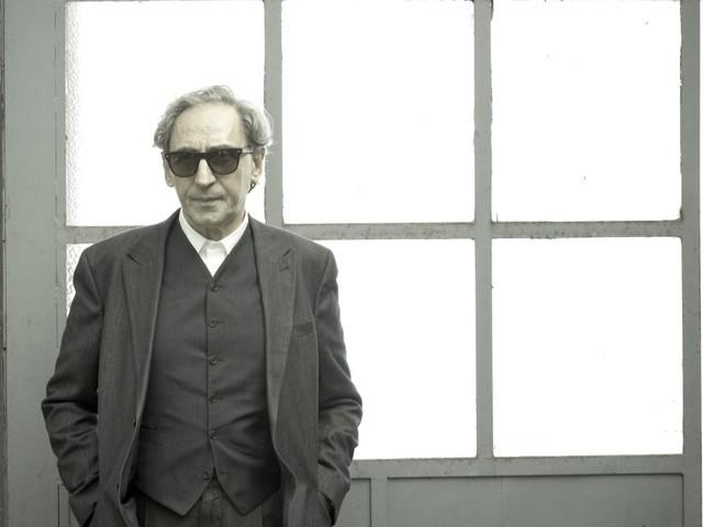 Torneremo Ancora, l'ultimo singolo di Franco Battiato, sperimenta e commuove