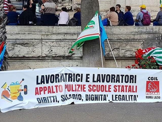 Appalti scuole, in Toscana 199 lavoratrici rischiano il posto