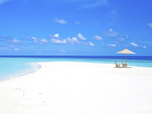 Maldive in pensione completa: volo a/r + 7 notti in eccellente lodge con spiaggia privata da 773€!