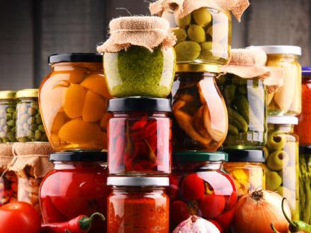 Botulino: come preparare le conserve fatte in casa in modo sicuro. I consigli dell'Istituto superiore di sanità