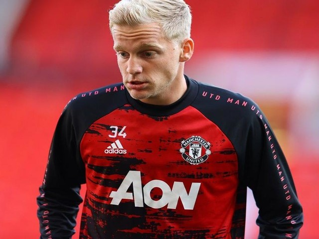 Inter, occhi su Van De Beek: l'olandese potrebbe lasciare il Manchester United a gennaio