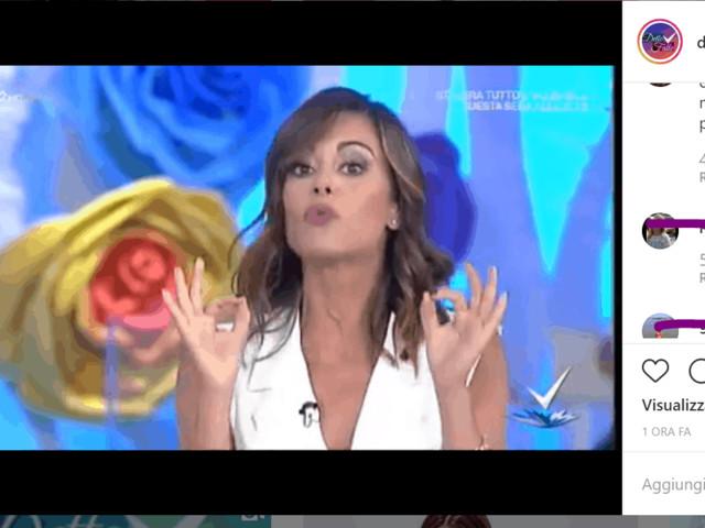 Bianca Guaccero lancia #cosicomesei e resta senza push up nella prima puntata di Detto Fatto (VIDEO)
