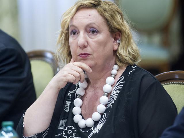 """""""Per evitare i contagi di ritorno ora bisogna aiutare l'Africa"""", dice la vice ministra Del Re"""