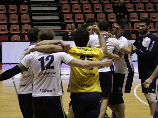 Volley, la Celanese finalmente si sblocca: importante vittoria in casa