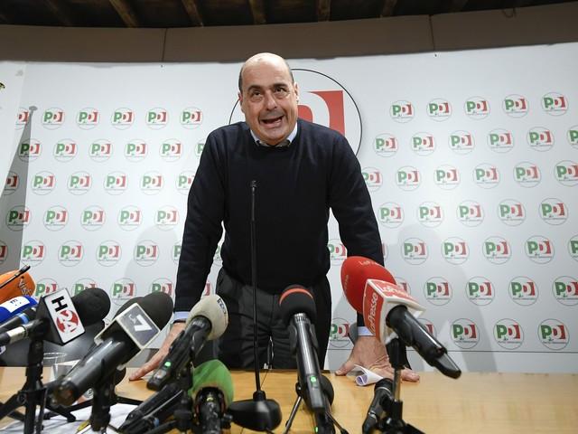 """Aria di crisi nel governo, il Pd: """"Non tolleriamo Renzi a lungo"""""""