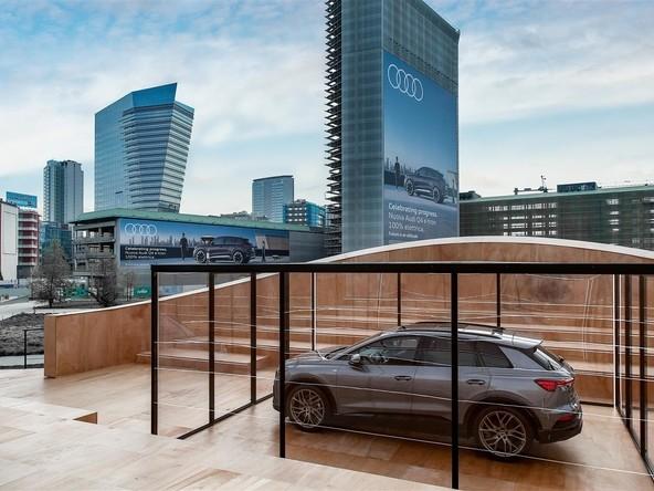 Audi Q4 e-tron, anteprima mondiale a Milano: prezzi da 45.700 euro