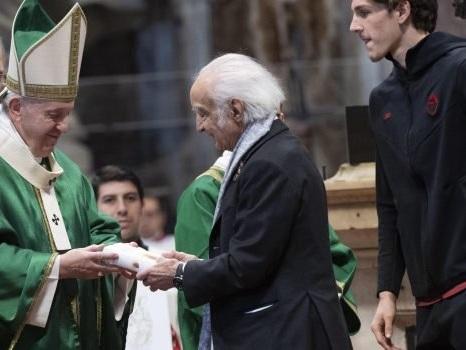 Zichichi e Zaniolo a messa dal Papa: le foto dalla basilica di San Pietro
