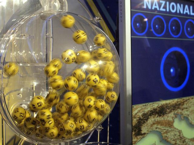 Estrazione Lotto e Superenalotto di oggi 23 settembre, ecco i numeri fortunati