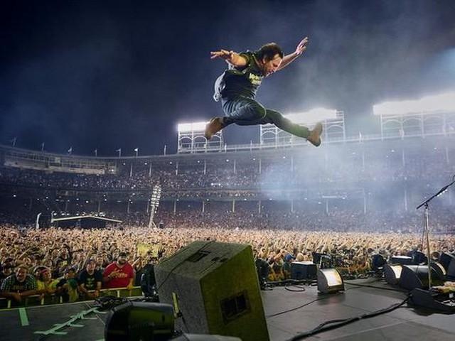 """I Pearl Jam e """"Let's play two"""" (nei cinema il 30/11): la videostoria"""