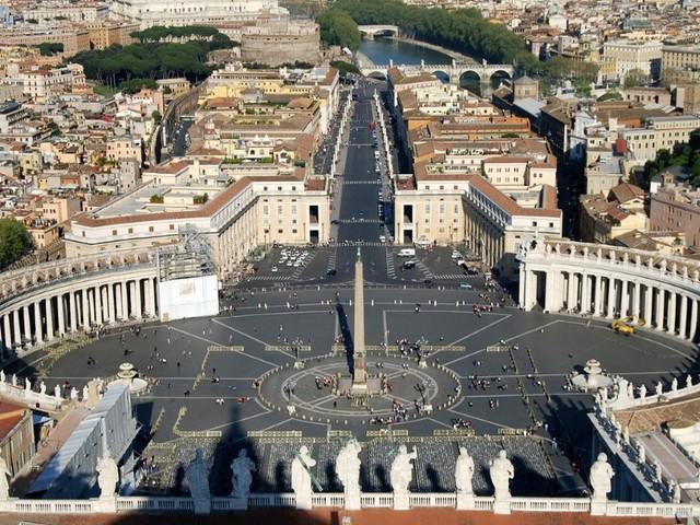 La Chiesa deve pagare l'Ici. Lo stato italiano dovrà recuperare gli importi non versati