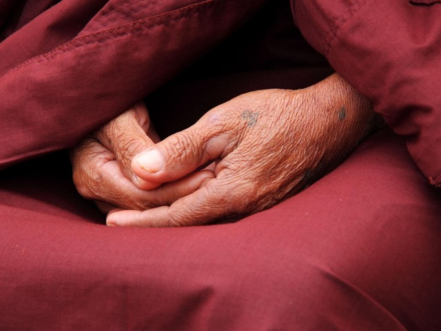 Covid, infermieri no-vax contagiano gli anziani nella casa di cura a Fiano: due morti