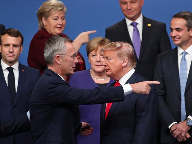 Tutta la Silicon Valley blocca Trump No di Merkel e Macron. Twitter ko
