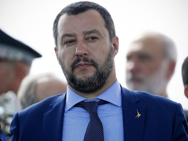 "Salvini ora ""spegne"" Toninelli e vara nuovo piano ""anti-ong"""