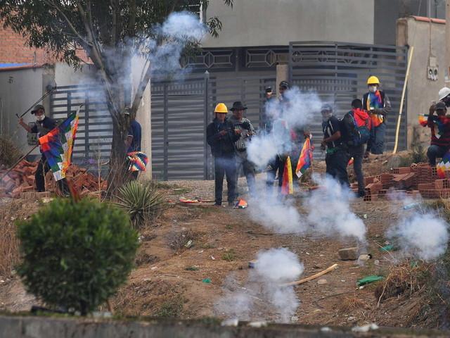 Bolivia, scontri tra manifestanti e polizia: otto morti e decine di feriti