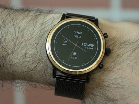Fossil Gen 5 in prova. Tante funzioni, ma è il solito smartwatch Wear OS