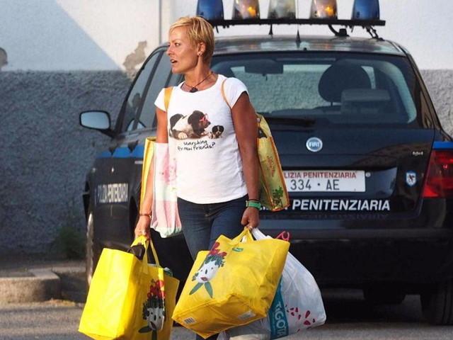 Pazienti morti in corsia, doppia assoluzione in Assise per l'ex infermiera Poggiali che torna subito in libertà