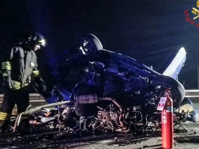 Incidenti stradali, sabato notte tragico in Veneto: cinque morti | Vittime anche a Roma e Catania