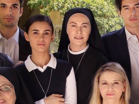 Ufficiale la data di Che Dio ci Aiuti 5 su Rai1, foto col cast della quinta stagione: tutti i dettagli