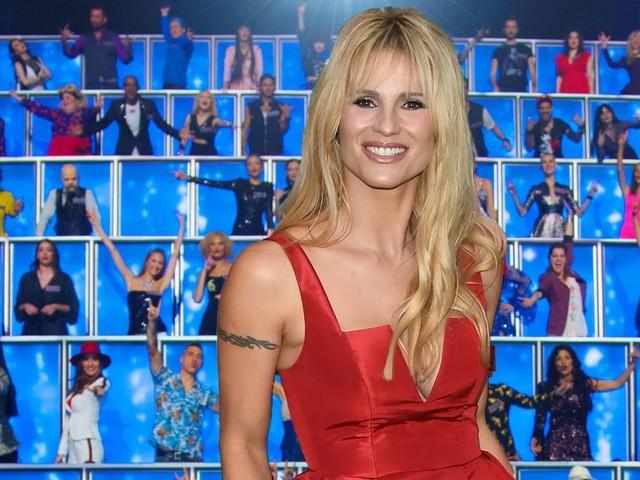 """Michelle Hunziker a """"All together now"""": «Adoro Vasco e Sting, ma sono una ex metallara»"""