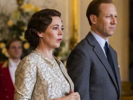 Data ufficiale per The Crown 3 su Netflix: il video annuncio con Olivia Colman alias la Regina Elisabetta II