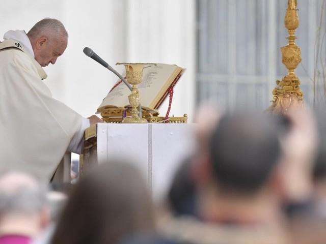 Pasqua. Messa del Papa in Piazza San Pietro rinnova gioia della resurrezione