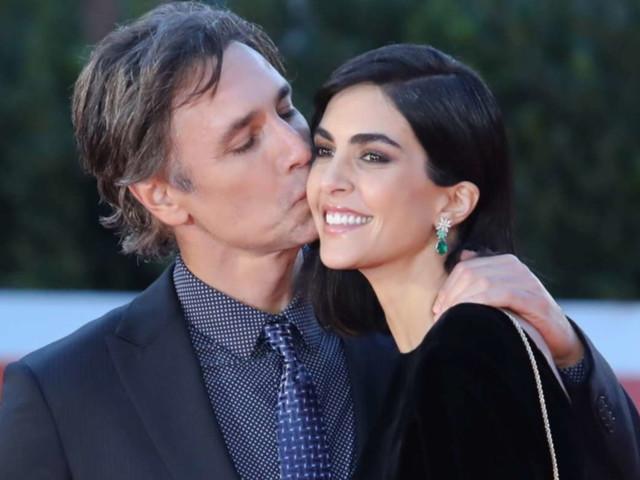 Raoul Bova e Rocio Munoz Morales a Roma per un red carpetal bacio