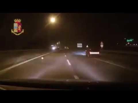 Tassista morto sulla Milano-Meda: video dell'incidente iniziale