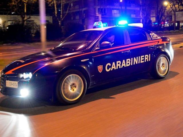 Padova, per gelosia uccide la moglie con una coltellata al petto