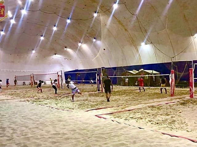 Covid: chiuso campo beach tennis nel Catanese, 20 sanzioni