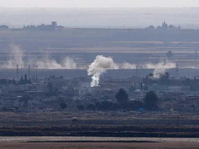 """Siria, curdi: """"La Turchia non rispetta la tregua. Raid su edifici civili e ospedale di Ras al Ayn"""". Ankara: """"Danni alle relazioni con l'Italia"""""""