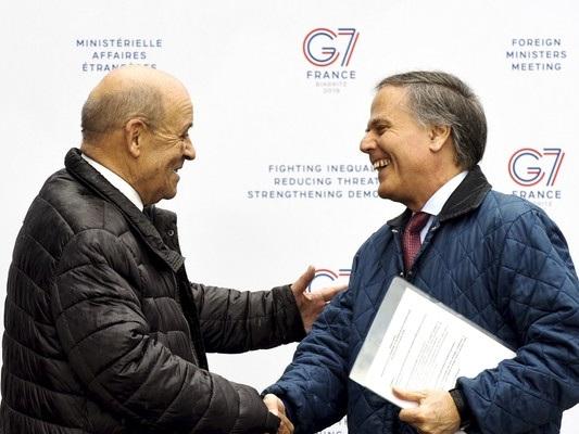 In Libia si combatte ancora, ma Italia e Francia tornano a parlarsi