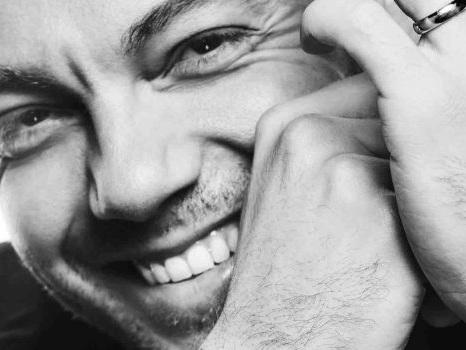 I 40 anni di Tiziano Ferro e quel monologo pieno d'amore