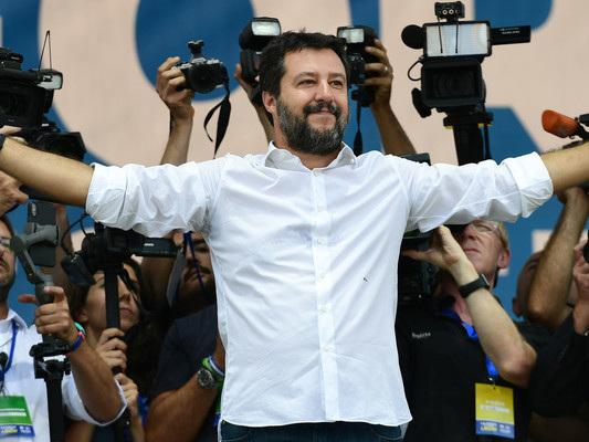 """Salvini replica a Grillo sul voto agli anziani: """"Mi sembra da ricovero"""""""