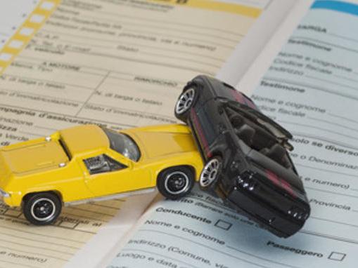Assicurazioni RC auto: prezzi in calo, ma il 4,37% degli imperiesi nel 2018 pagheranno di più