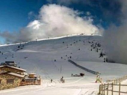 Tanta neve, cresce la voglia di sciare Pienone alla baita sul Monte Pora